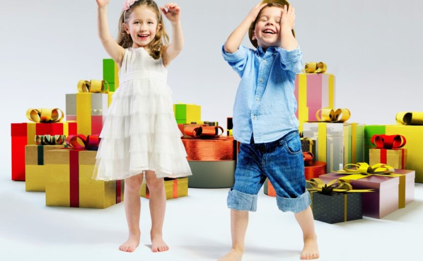 Skal du til børnefødselsdag? Sådan finder du den rette gave
