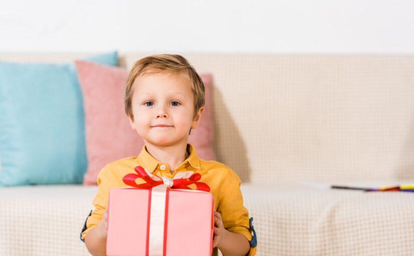 Barn med gave